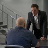 Vincent D'Onofrio y Wilson Bethel en la tercera temporada de 'Daredevil'