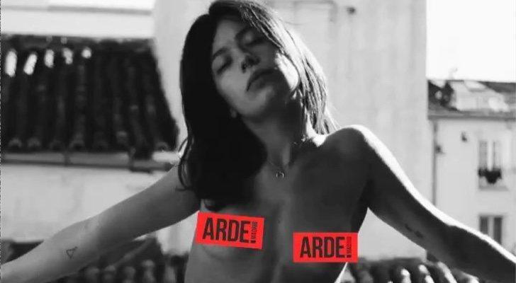 Paco León Desnuda Al Elenco De Arde Madrid Y A Los Seguidores En
