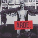 Ken Appledorn se desnuda por el estreno de 'Arde Madrid'