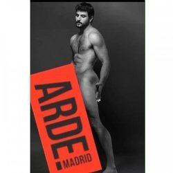 Antonio Velázquez se desnuda por el estreno de 'Arde Madrid'