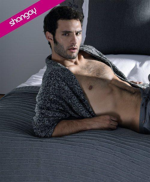 Eduardo Rosa posa muy sexy para Shangay