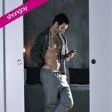Eduardo Rosa, muy sexy y semidesnudo para Shangay