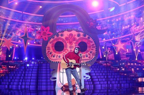 """Carlos Baute era Miguel de """"Coco"""" en la Gala 7 de 'Tu cara me suena'"""