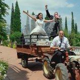 Una novia llega en un tractor en 'Cuatro Weddings'