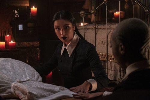 Agatha en el especial de Navidad de 'Las escalofriantes aventuras de Sabrina'