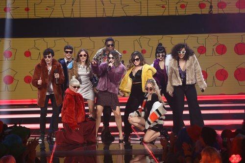 Los chicos de 'OT 2018' en la actuación grupal de la Gala 8