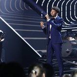 Carlos Right en su actuación como nominado en la Gala 8 de 'OT 2018'