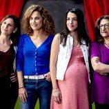 Posado de las protagonistas de 'Señoras del (h)AMPA'