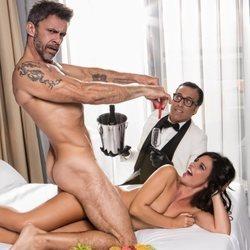 Alonso Caparrós y su pareja posan por primera vez al desnudo para Primera Línea