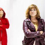 Uno de los personajes de 'La Casa de Papel' junto a Sonia Martínez, directora de Ficción de Atresmedia
