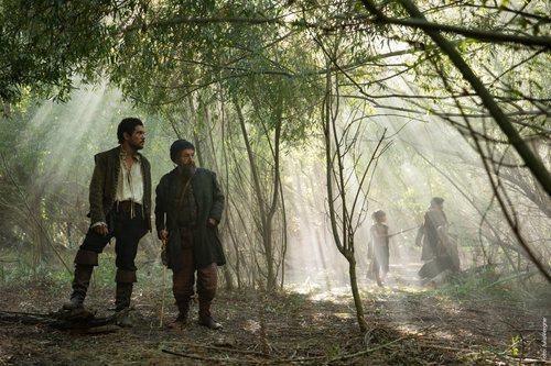 Pablo Molinero y Manuel Morón en el rodaje de la segunda temporada de 'La peste'