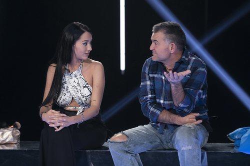 Aurah Ruiz y El Koala en la sala de expulsión de la gala 11 de 'GH VIP 6'