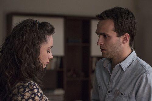 Karina y Carlos en el final de la temporada 19 de 'Cuéntame cómo pasó'