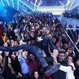 Roberto Leal aupado por el público de la Gala 10 de 'OT 2018'