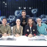Roberto Leal posa con el jurado de la Gala 10 de 'OT 2018'