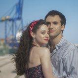 Carlos y Karina, juntos en el final de la temporada 19 de 'Cuéntame cómo pasó'