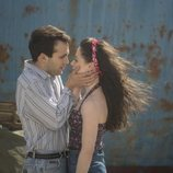 Carlos y Karina, en el último capítulo de la temporada 19 de 'Cuéntame cómo pasó'