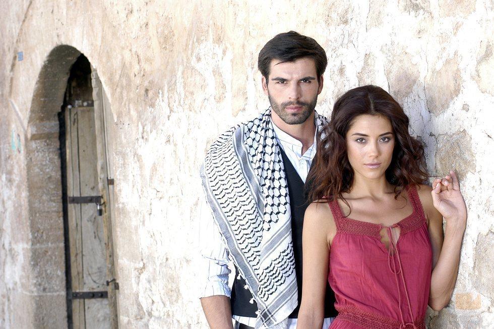 Cansu Dere y Mehmet Akif Alakurt, protagonistas de 'Sila'