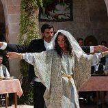 Sila y Boran bailan el día de su boda en 'Sila'