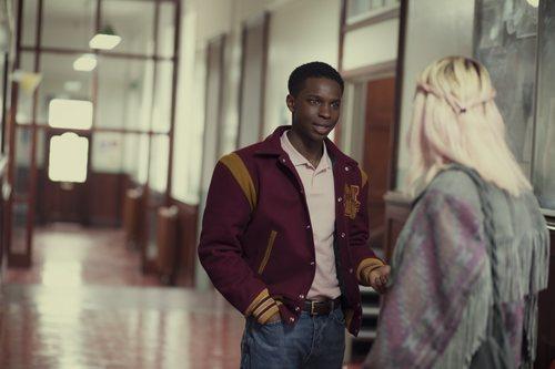 Kedar Williams-Stirling da vida a Jackson en 'Sex Education'