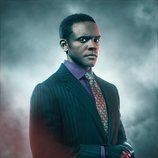 Póster de Chris Chalk como Lucius Fox en la temporada final de 'Gotham'