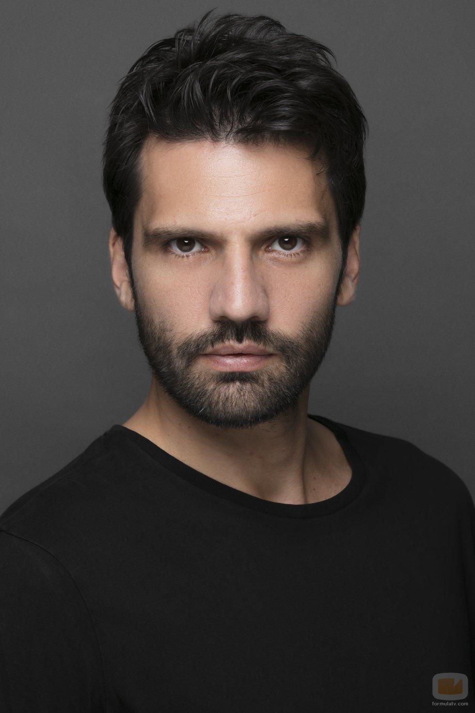 Retrato de Kaan Urgancioglu, Emir en 'Kara Sevda'