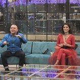 Koala y Miriam sonrientes en el salón de la casa en la final de 'GH VIP 6'