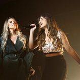 India Martínez y Julia cantando en la Gala de Navidad de 'OT 2018'