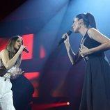 Sabela y Rosa Cedrón cantando en la Gala de Navidad de 'OT 2018'