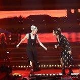 Alba Reche y Zaz cantando en la Gala de Navidad de 'OT 2018'