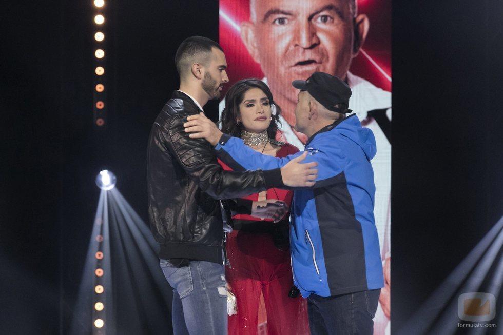 Miriam, Koala y Suso, los tres finalistas de la Final de 'GH VIP 6' se abrazan