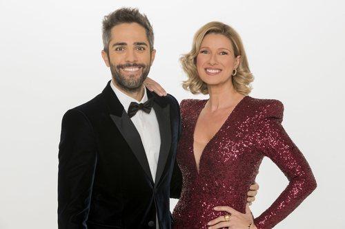 Anne Igartiburu y Roberto Leal recibirán el 2019 en La 1