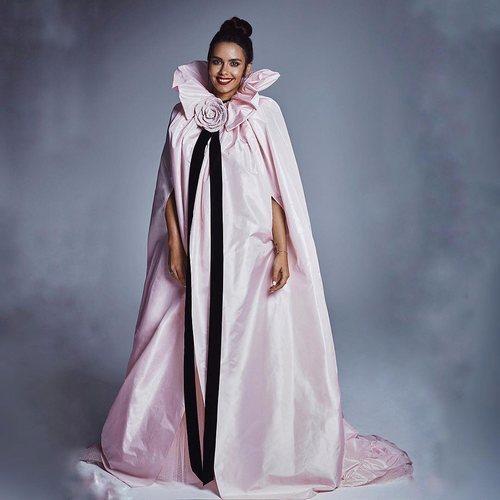 La capa rosa de Cristina Pedroche para las Campanadas 2018-2019