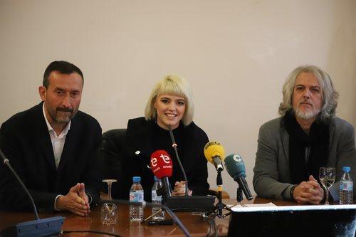 Alba Reche, recibida en el Ayuntamiento de Elche por el alcalde