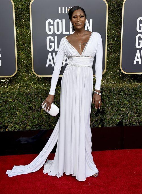 Dominique Jackson en la alfombra roja de los Globos de Oro 2019