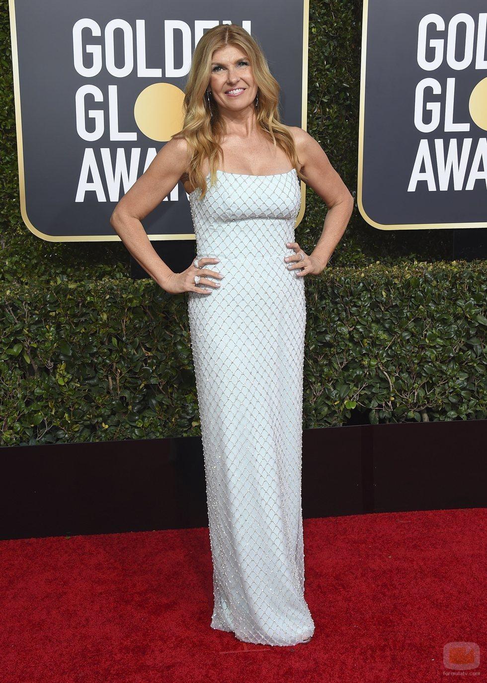 Connie Britton en la alfombra roja de los Globos de Oro 2019