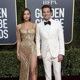 Bradley Cooper e Irina Shayk en la alfombra roja de los Globos de Oro 2019