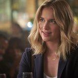 Elizabeth Lail es Beck en la serie de Netflix 'YOU'