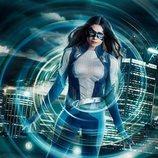 Primer vistazo de Nicole Maines con el traje de Dreamer en 'Supergirl'