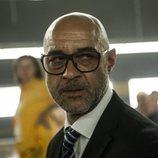 Carlos Sandoval mira a las reclusas de 'Vis a vis' en la cuarta temporada