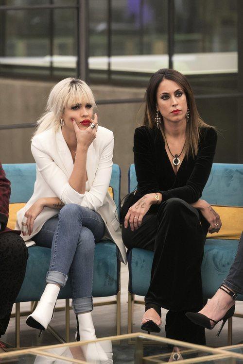 Ylenia y Raquel Martín sentadas en la gala 4 de 'GH Dúo'