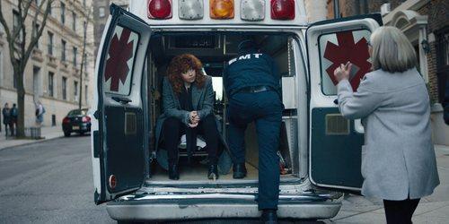 Nadia sube a una ambulancia en 'Muñeca rusa'