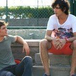 Mert y Yaman son mejores amigos en 'Medcezir'