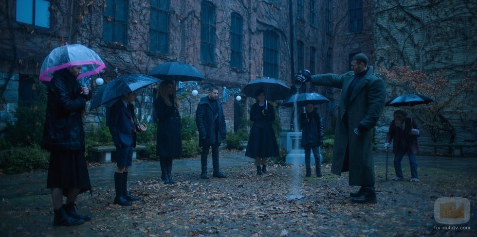 La increíble historia de una familia de superhéroes, en Netflix con 'The Umbrella Academy'