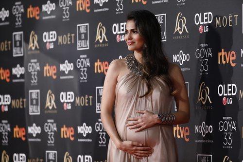 Sara Sálamo posando en la alfombra roja de los Premios Goya 2019