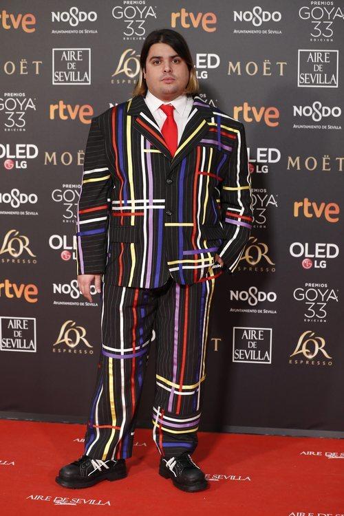 Brays Efe posa en la alfombra roja de los Premios Goya 2019