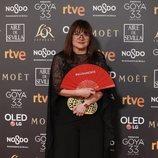 Isabel Coixet posando en la alfombra roja de los Premios Goya 2019
