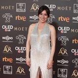 Lola Dueñas posando en la alfombra roja de los Premios Goya 2019