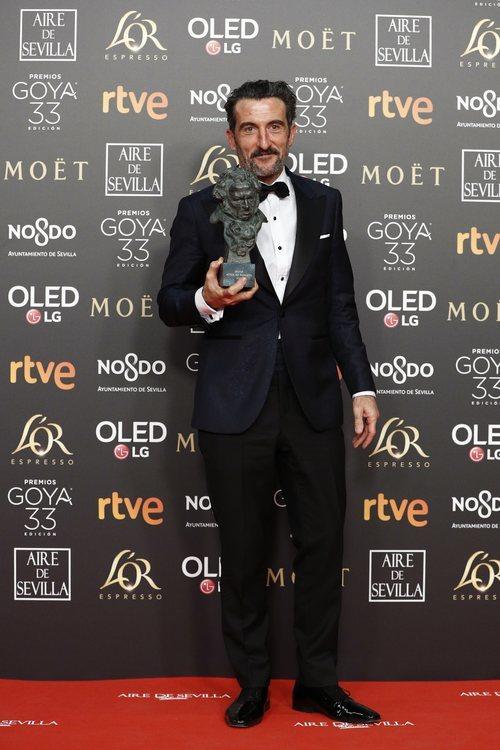 """Luis Zahera de """"El reino"""" con su Goya 2019 a Mejor actor de reparto"""