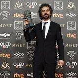 """Álvaro Brechner con su Goya 2019 a Mejor guion adaptado por """"El reino"""""""